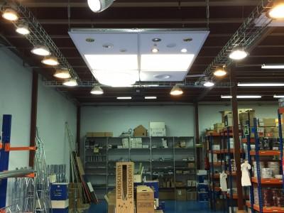Expositor con iluminación LED 2
